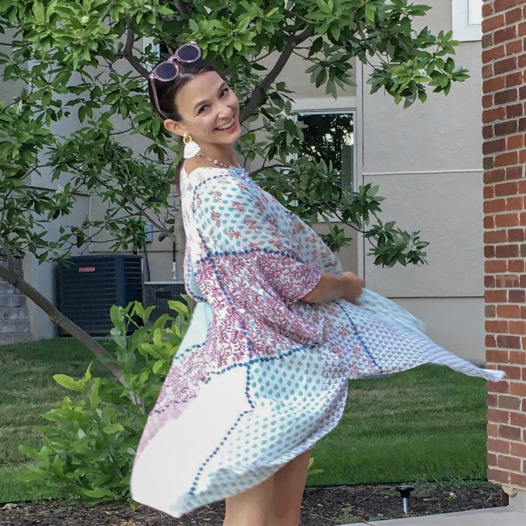 1c1f95175 Kimonos are a great way to add instant style to a plain or simple outfit.  Kimonos are also great for keeping your shoulders warm while wearing a  sundress or ...